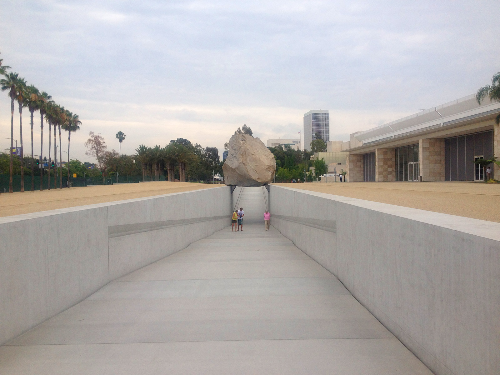 Levitated Mass, the summer it arrive in Los Angeles, 2013
